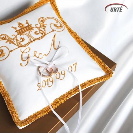 Karališka siuvinėta pagalvėlė vestuviniams žiedams